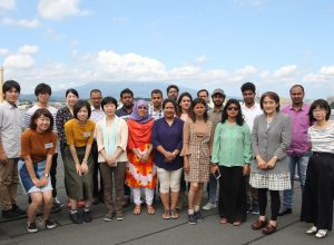 Young researchers from the Islamic Republic of Pakistan, the Republic of India, People ́s Republic of Bangladesh, the Kingdom of Nepal joined the meteorological workshop that was held in Hirosaki University.