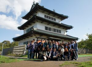 Survey of the modern cultural history of Tsugaru Class (Hirosaki Castle Visit)