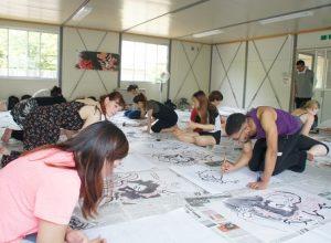 「津軽の工芸」の授業でねぷた絵の墨書きをしました