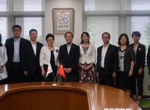 中国・大連市政府代表団が学長を表敬訪問